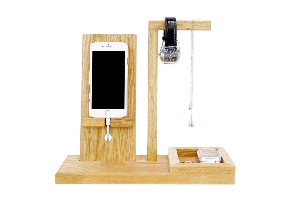 Futon Company Phone Valet